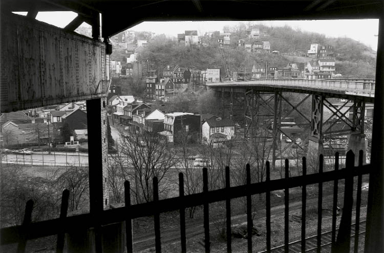 Lee Friedlander. Pittsburgh, 1979–80. Gelatin silver print, 11 x 14 in. Collection of the Akron Art Museum, Purchased with funds from the National Endowment for the Arts and Central Bank of Akron, 1981.11.4