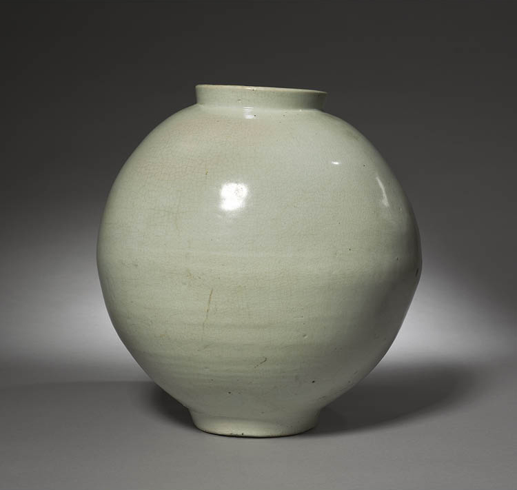 Jar (백자호) 1700s. Korea, Joseon dynasty (1392–1910). Glazed porcelain; h. 35 cm. Purchase from the J. H. Wade Fund, 1983.28