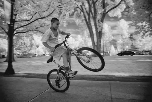 Cleveland, from the series Bike Cleveland, 2014. David Burnett. The George Gund Foundation Collection in honor of David Bergholz, 2018.247