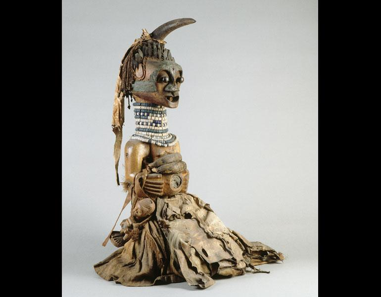 Male figure. Songye, D.R.C. Wood, horn, metal, beads, fiber, pelts, snake skin; h. 90.5 cm. Ethnographic Museum, Antwerp [Bequest of Paul Osterrieth, 1940] (AE 1940.1.47). Photo: © Bart Huysmans, Antwerp