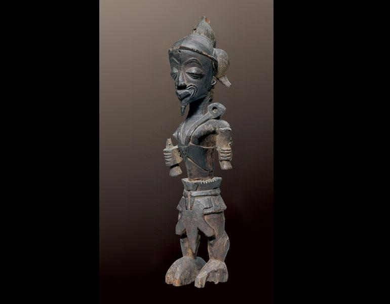 Male figure. Luluwa, D.R.C. Wood; h. 41.6 cm. Collection Laura and James J. Ross. Photo: © John Bigelow Taylor, New York