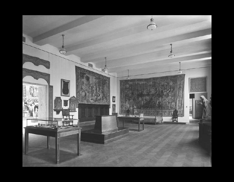 Gallery III - Renaissance Art. IML 963809