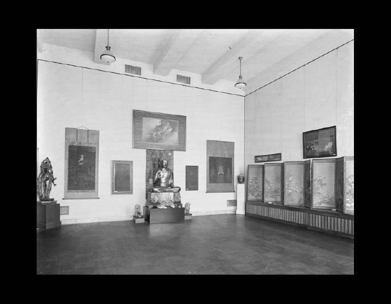 Gallery XIV - Japanese Art. IML 963824