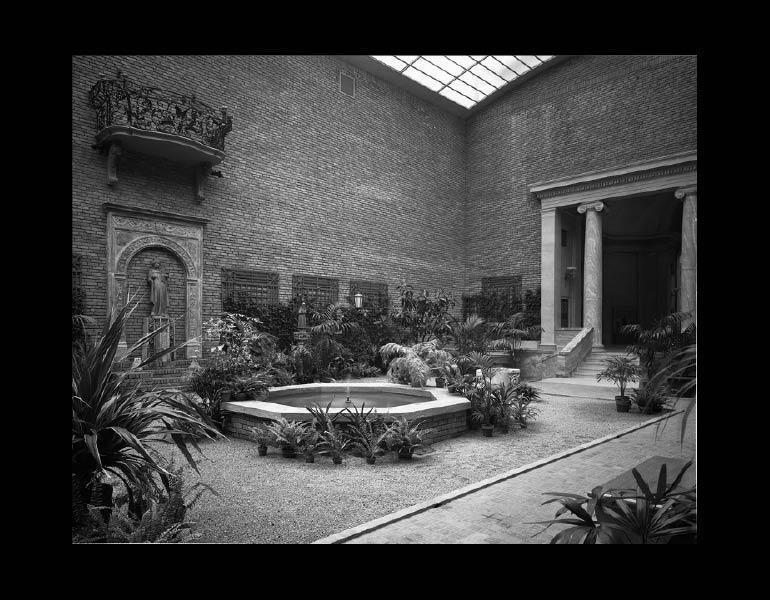 Garden Court. IML 963828