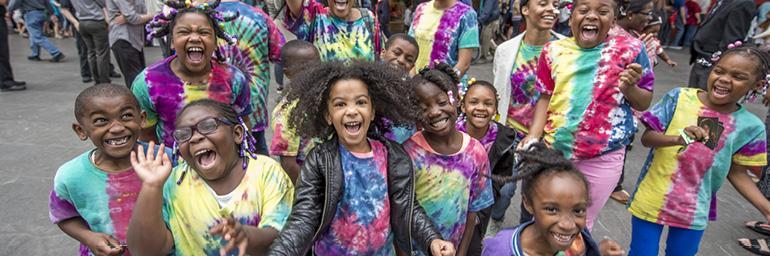 Students enjoy Parade the Circle.