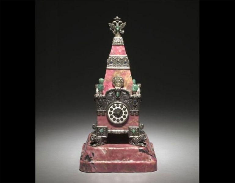 Kremlin Tower Clock, 1913. House of Fabergé (Russian, 1846–1918). Rhodonite, silver, enamel, emeralds, sapphires. © The Cleveland Museum of Art, The India Early Minshall Collection, 1966.477