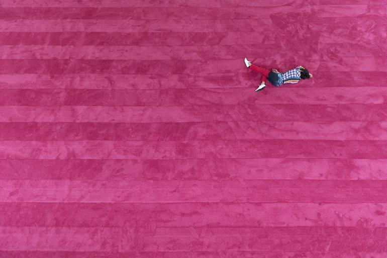 Maria Hassabi, STAGING: Solo #2 (2017). Installation view at Centre Pompidou, Paris. Courtesy the artist; Koenig & Clinton, New York; The Breeder, Athens. Photo credit Thomas Poravas.