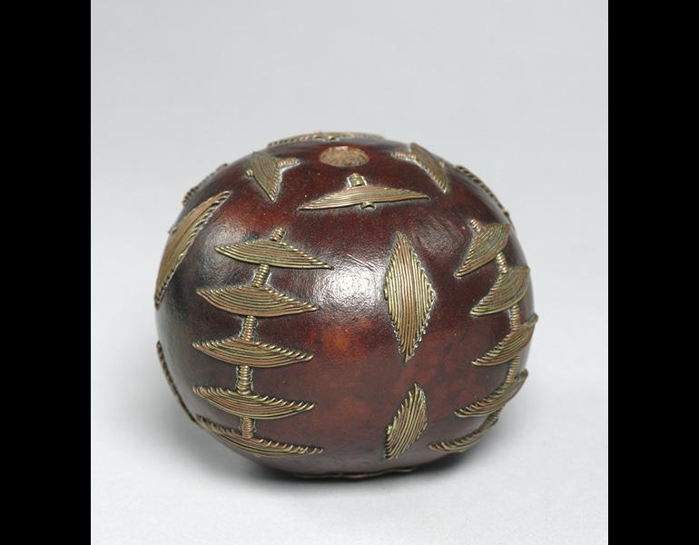 Snuff Container, 1800s—1900s. South Africa, Zulu people or Northern Nguni people. Gourd, copper and brass wire; h. 7.5 cm. The Cleveland Museum of Art, Leonard C. Hanna Jr. Fund 2010.200. Photo: © The Cleveland Museum of Art