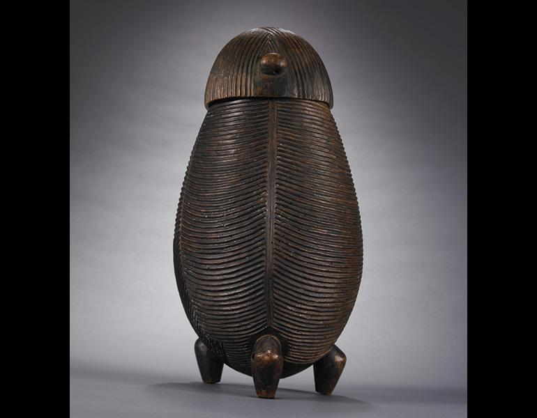 Vessel, 1800s–1900s. South Africa, Northern Nguni people. Wood; h. 33.7 cm. Private Collection, courtesy Robert Dowling, San Francisco. Photo: © James Worrell