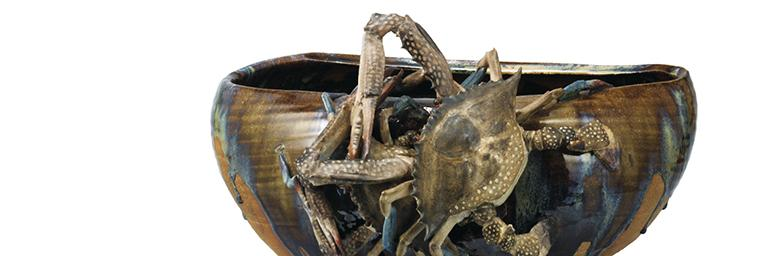 Footed Bowl with Applied Crabs and Brown Glaze (detail), 1881 (Meiji 14). Miyagawa Ko ̄zan I (1842–1916). Ceramic; H. 37 cm, diam. 19.6 cm (mouth) and 17.1 cm (bottom). Tokyo National Museum, G-105. Important Cultural Property
