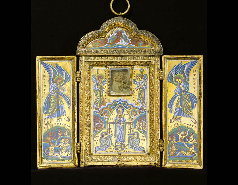 Triptych Reliquary of the True Cross, about 1160–70. Mosan (probably diocese of Liège). Copper gilt over wood, vernis brun, enamel (champlevé), rock crystal; 26.9 x 29.2 cm (opened). Private Collection, London. Image © Samuel Merrin, The Merrin Gallery, Inc.